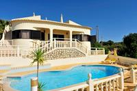 Villa Julia, 4-bedroom villa with superb views and great location