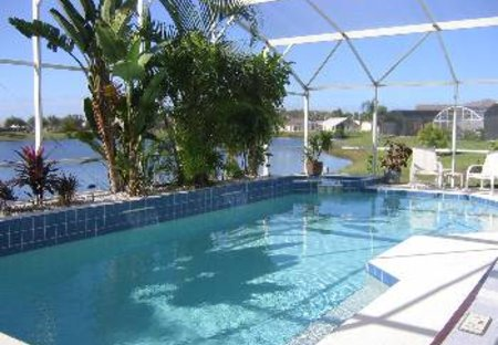 Villa in Lakeside, Florida: Luxurious Heated Pool