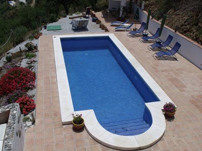Studio apartment in Spain, Comares: The Lovely 8 x 4 Roman Stepped Pool at Vine Ridge Retreats