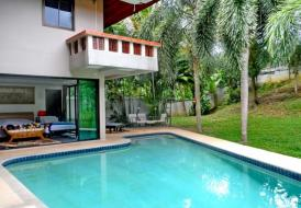 A Sylvan House With Private Swimming Pool
