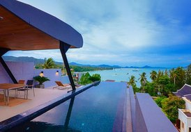 Luxury 3 bedroom villa with sea view in Rawai