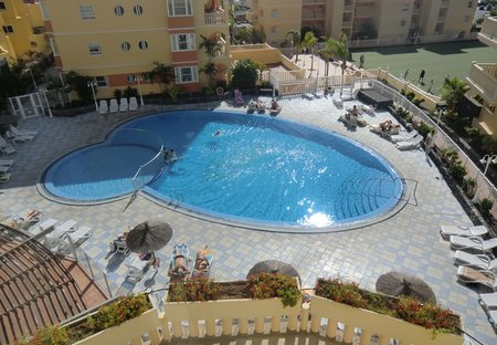 Apartment in Golf del Sur, Tenerife: The fantastic swimming pool at the complex