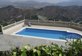 2 bedroom Villa for rent in Comares