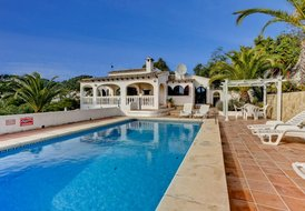 Casa Azurro, an attractive spacious villa in Moraira