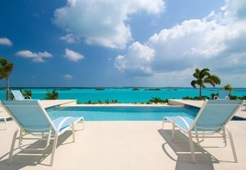 Villa in Turks and Caicos, Providenciales: Lounge By The Infinity Edge Pool Overlooking Chalk Sound