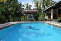 Villa in Sri Lanka, Hikkaduwa: Private villa and pool with easy access to the beach and Hikkaduwa