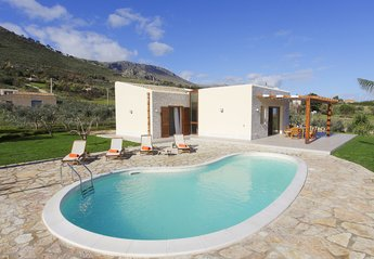 2 bedroom Villa for rent in Castellammare del Golfo