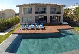 Frontline, modern 5 bedroom villa in Alcudia, Mallorca