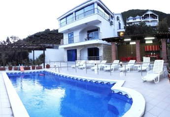 Apartment in Montenegro, Herceg Novi: The house