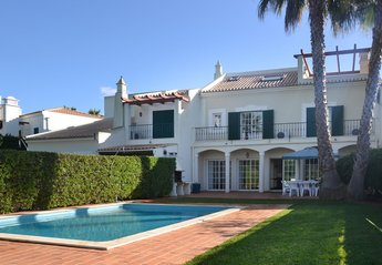 5 bedroom Villa for rent in Vilamoura