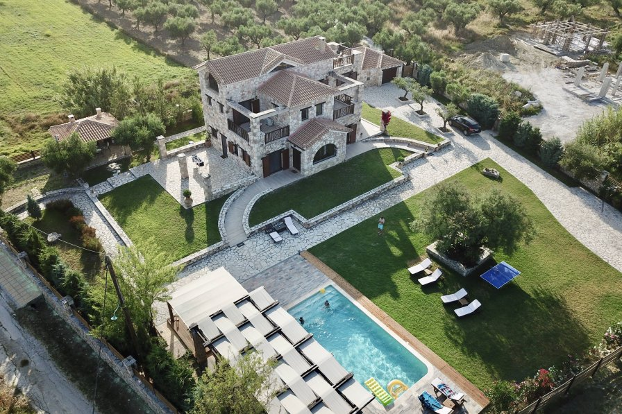 Owners abroad Awarded as World 5th: Palazzo Di P, 5* Private Villa