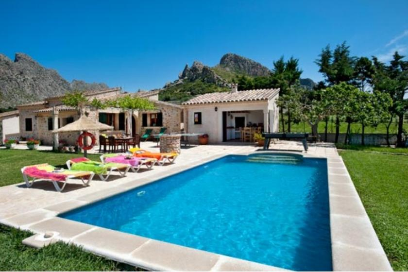 Villa To Rent In Puerto Pollensa Majorca With Private