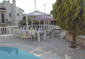 Villa Trostheim, big private pool area, mix of sea and mountain