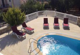 Villa Trostheim, big private pool area, mix of sea and mountain