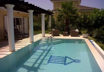 4 bedroom Villa for rent in Kusadasi