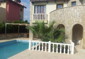 4 bedroom Villa for rent in Sogucak