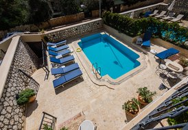 Apartment Asfiya - Large one bedroomed apartment, Kalamar Bay.