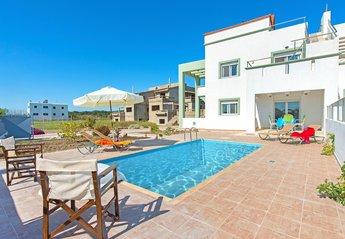 3 bedroom Villa for rent in Gennadi