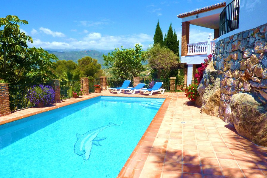 5 Bedroom Villa with Heated Pool in La Herradura, Costa Tropical