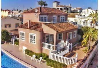 Villa in Spain, Urbanización El Presidente