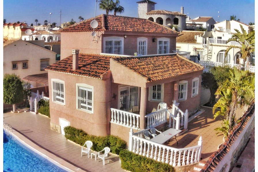 Costa Blanca South - 4 Bed Detached Villa + Private Pool - EP
