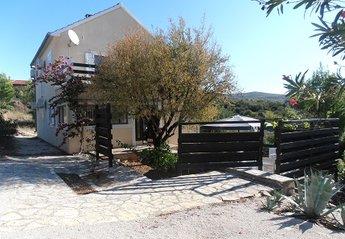House in Croatia, Milna