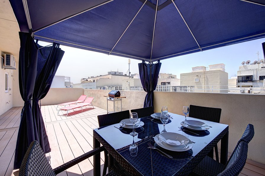 Off-Tigne Point Sliema 1-bedroom Penthouse