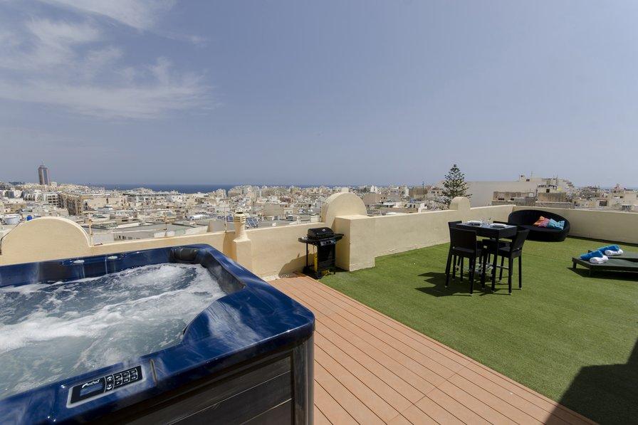 Penthouse apartment in Malta, Sliema
