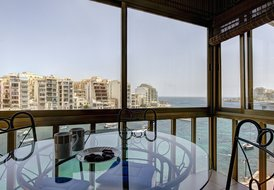Water's Edge 2-bed Seafront St Julians Apartment