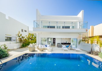 5 bedroom Villa for rent in Protaras