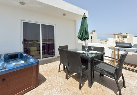 Penthouse Apartment in Bugibba, Malta