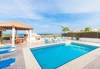 4 bedroom Villa for rent in Protaras