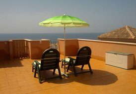 2 Bed Penthouse Apartment with Wi-Fi Internet Access