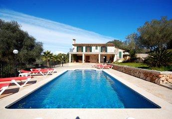 Villa in Spain, Llubi
