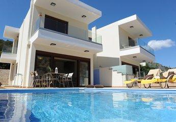 Villa in Greece, Palaiokastro