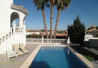 5 bedroom Villa for rent in Rojales
