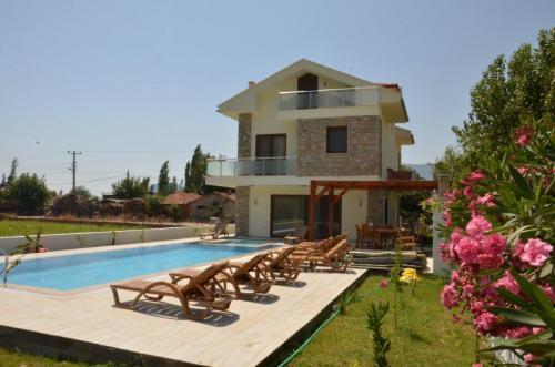 Villa in Turkey, Arikbasi