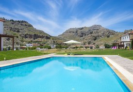 Kolympia Residence with swimming pool only 300m from the beach