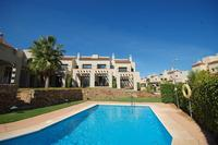 Townhouse - Pool, Air Con, Golf Clubs, WIFI, PS3, TV, BBQ, Bikes.