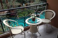 Apartment in Thailand, Jomtien: Balcony with view of pool and bridge