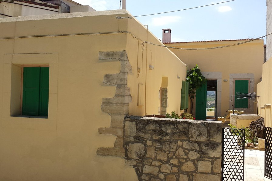 House in Greece, Myrtia