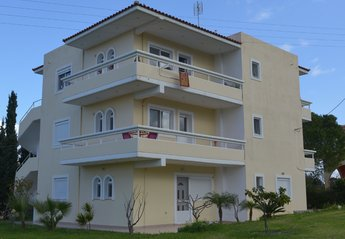3 bedroom Apartment for rent in Ialyssos