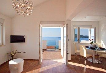 Penthouse Apartment in Croatia, Razanj