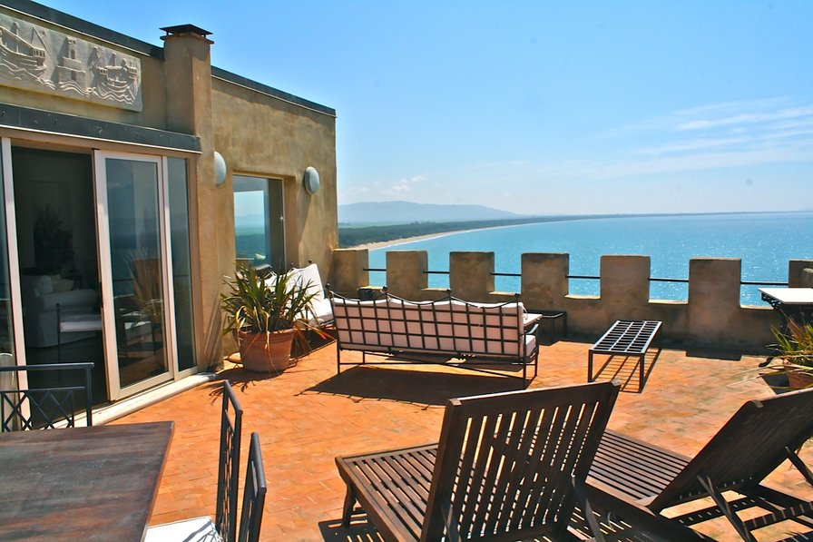 Villa in Italy, Talamone