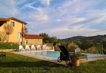 5 bedroom Cottage for rent in Monte San Savino