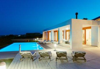 7 bedroom Villa for rent in Gennadi