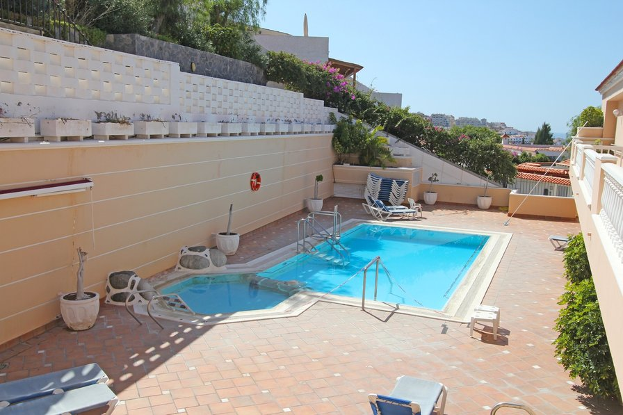 Apartment To Rent In Los Gigantes Tenerife With Pool 183501