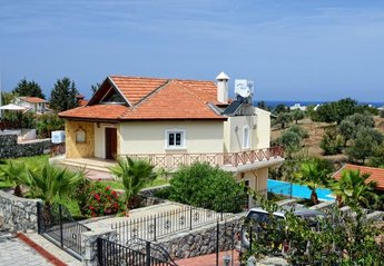 5 bedroom Villa for rent in Kyrenia