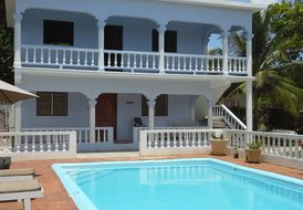 Tamarind Studio Apartment with Swimming Pool. Close to Ocho Rios