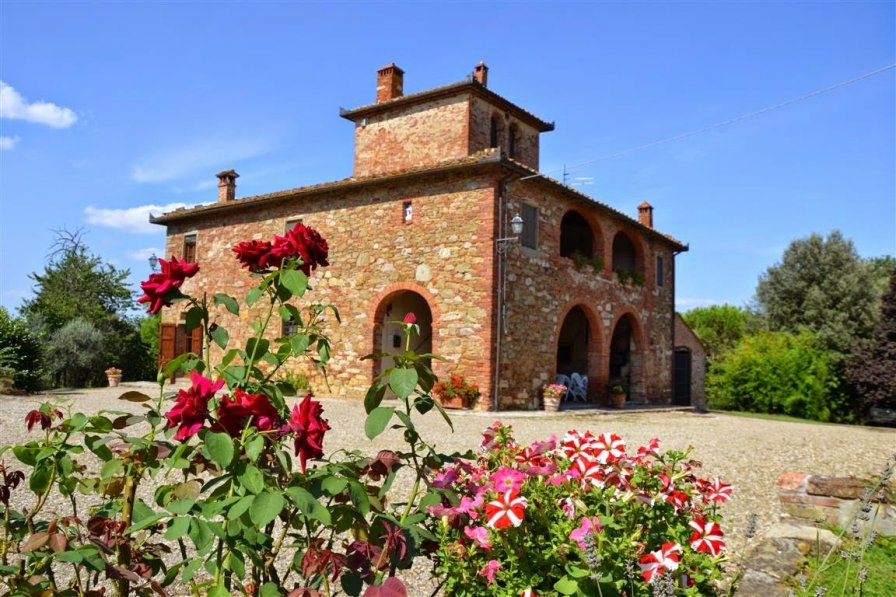 House in Italy, Lucignano